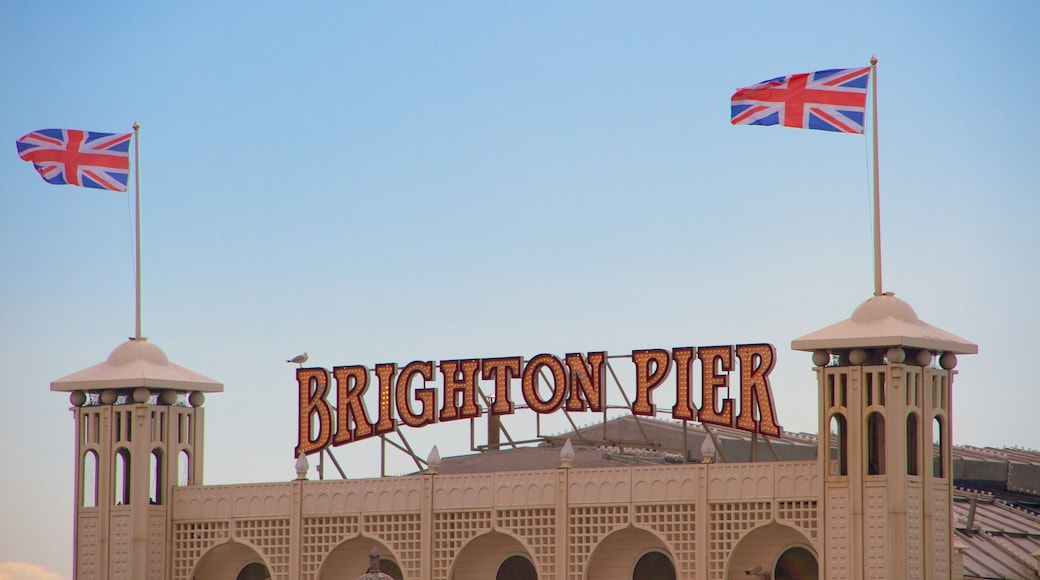 Brighton Pier das einen Beschilderung