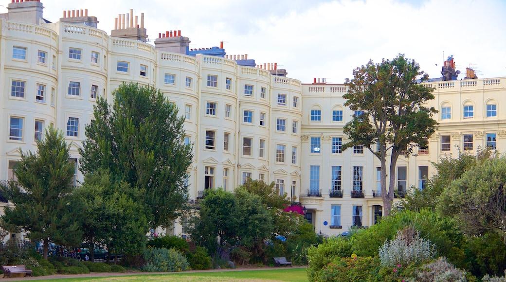 Palmeira Mansions welches beinhaltet Stadt und Park