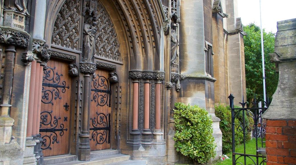 Cambridge mit einem Geschichtliches und Kirche oder Kathedrale
