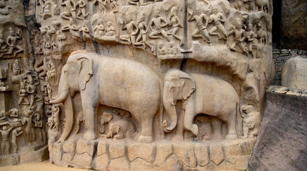 Ganesha Ratha which includes art