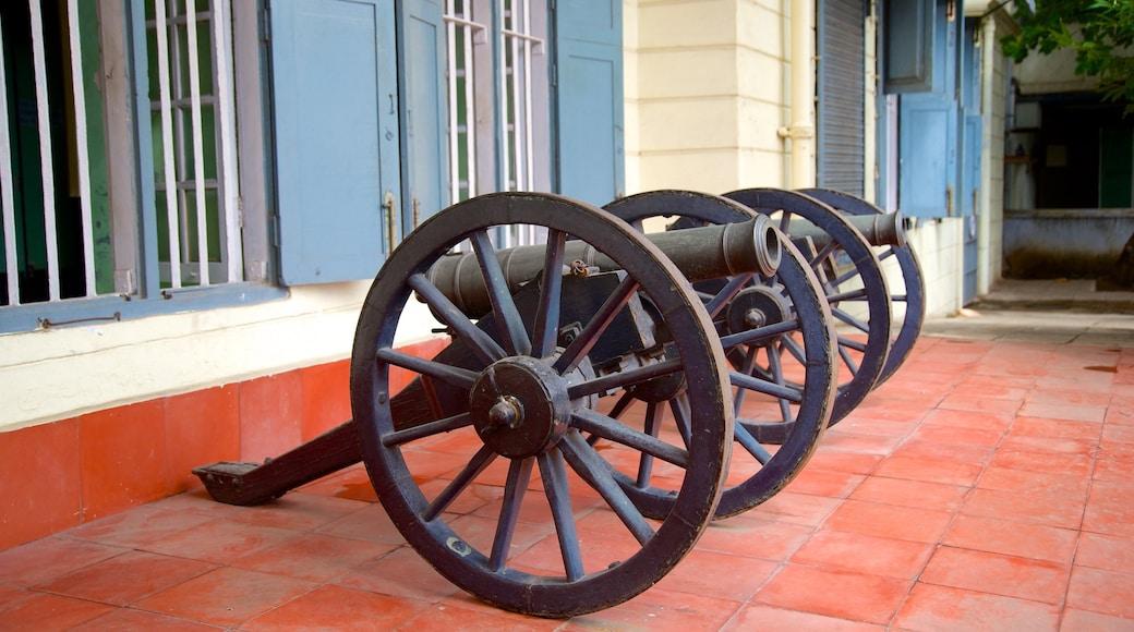 Pháo đài St. George trong đó bao gồm quân sự và di sản