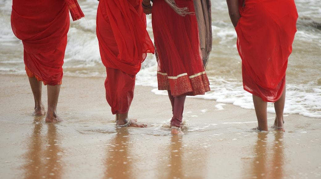 Bãi biển Mamallapuram trong đó bao gồm bãi biển