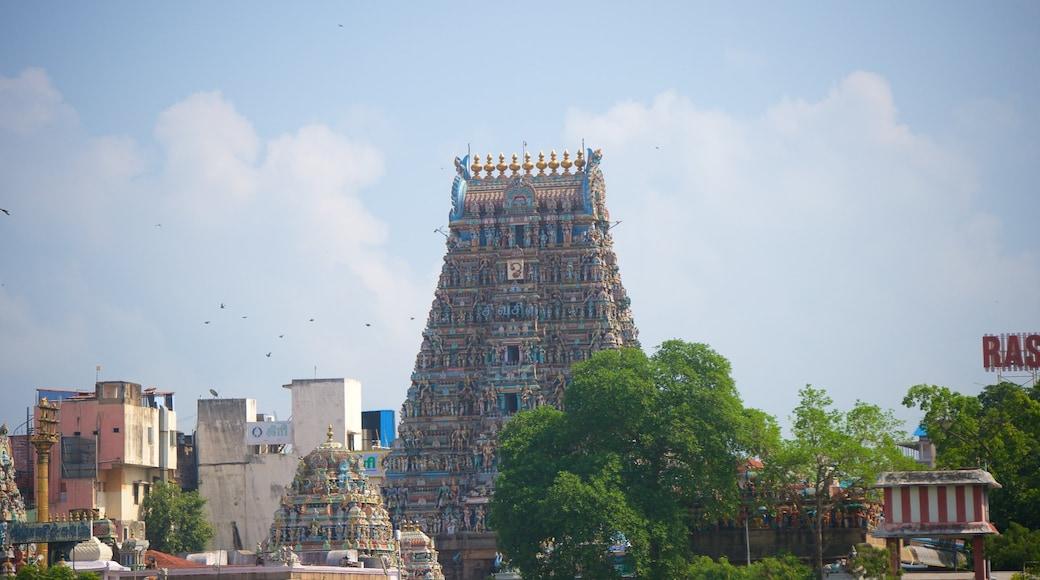 Kapalishvara Temple mettant en vedette patrimoine architectural et temple ou lieu de culte