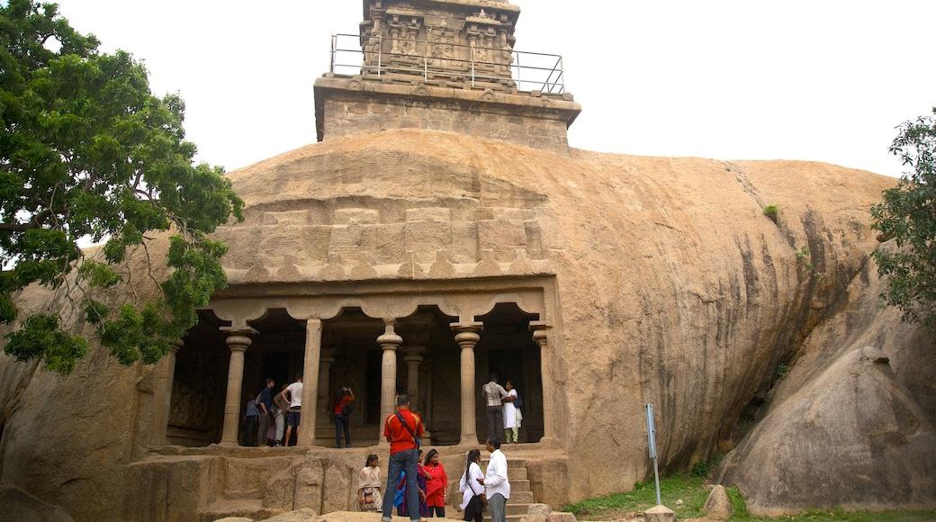 Madras mettant en vedette patrimoine historique aussi bien que petit groupe de personnes