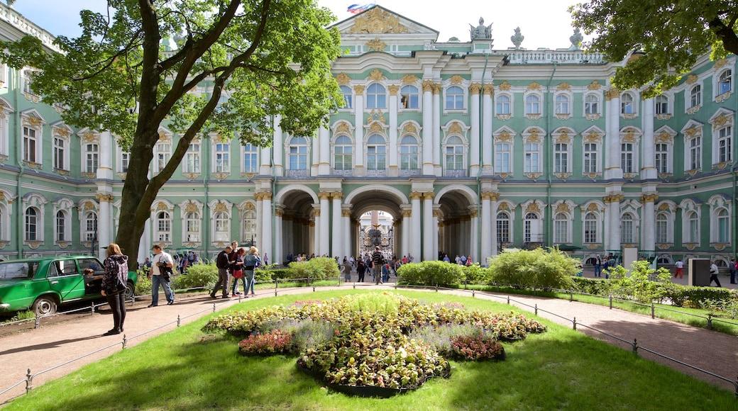 Hermitage som visar en park och historisk arkitektur