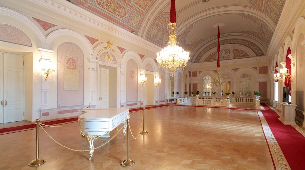 Bolschoi-Theater mit einem historische Architektur und Innenansichten