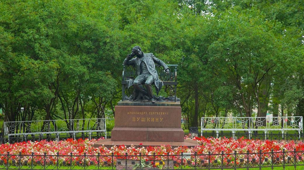Palácio de Alexandre que inclui uma estátua ou escultura