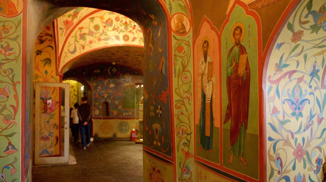 St. Basil\'s Cathedral showing religious aspects and interior views