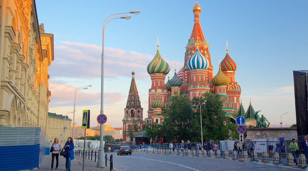 St. Basil\'s Cathedral showing heritage architecture