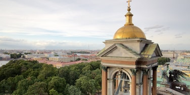 St. Isaac\'s Cathedral which includes a church or cathedral and a city