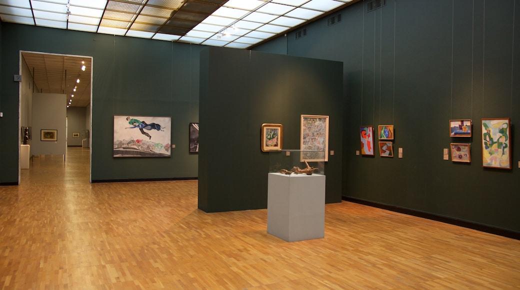 Uusi Tretyakovin galleria - modernin taiteen museo featuring taide ja sisäkuvat