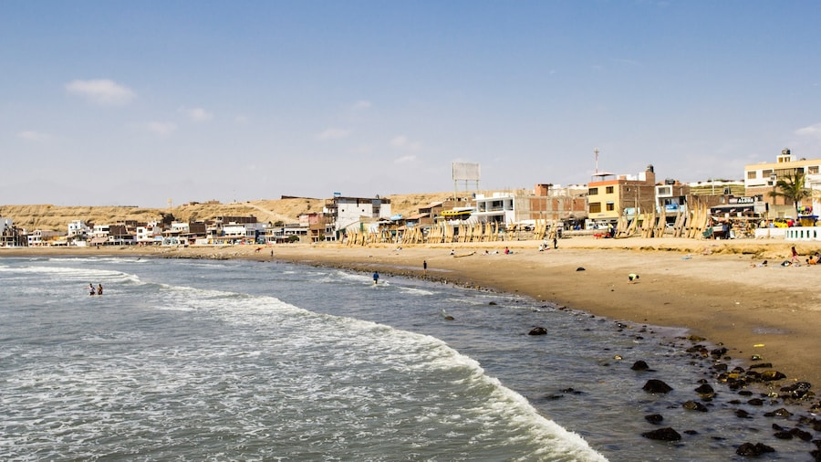 Trujillo showing tranquil scenes and a beach