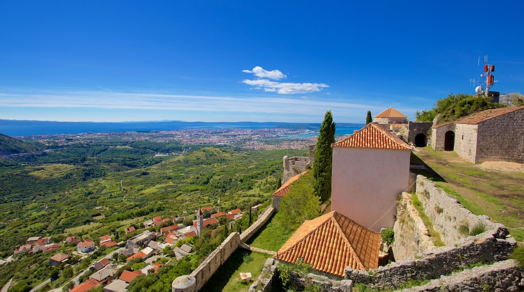 Klis Fortress showing landscape views and general coastal views