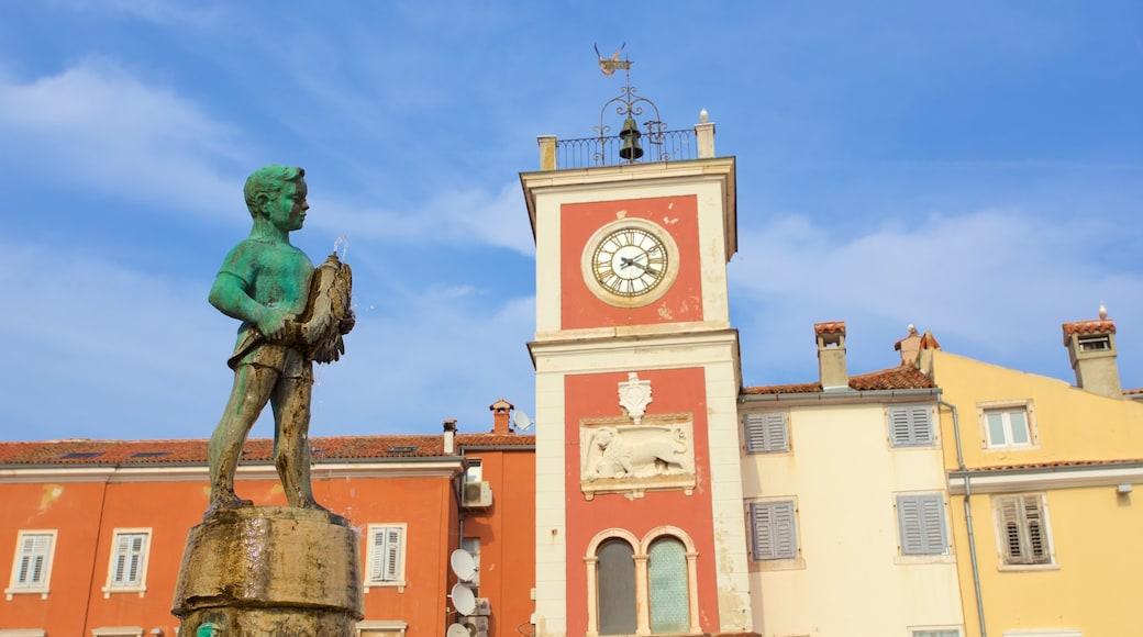 Rovinj welches beinhaltet Statue oder Skulptur