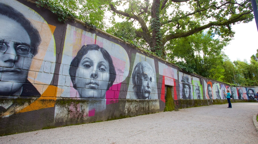 Park Angiolina which includes outdoor art