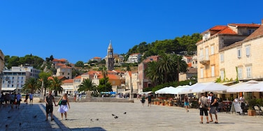 Hvar which includes a square or plaza
