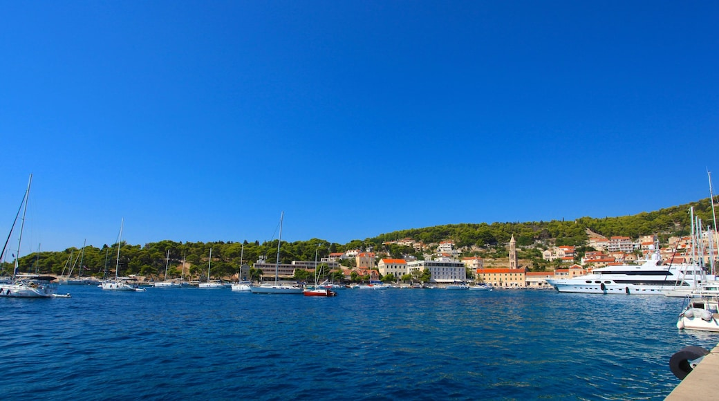 Hvar showing general coastal views