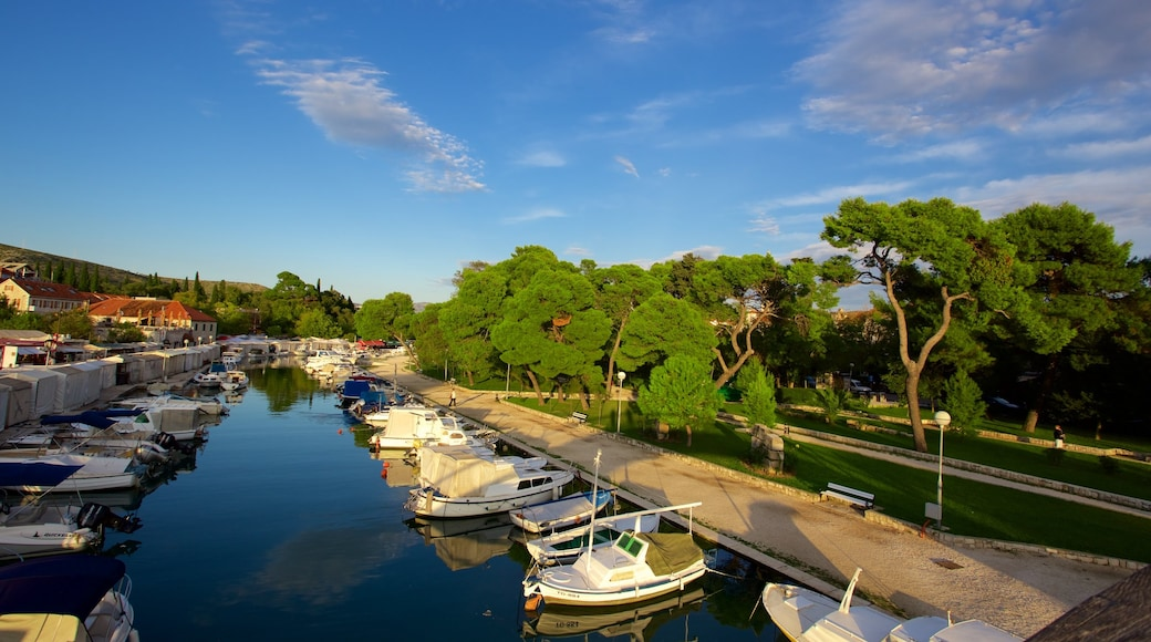 Trogir featuring a garden and a marina