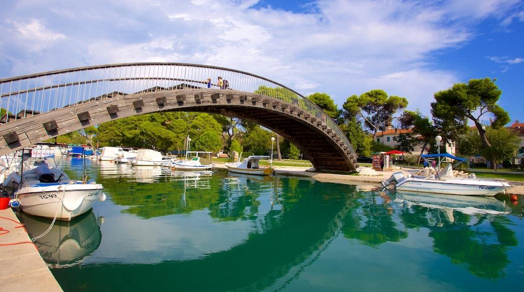 Trogir das einen Brücke und Marina