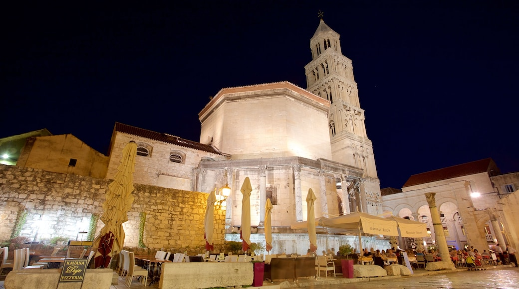 Diocletian\'s Palace featuring heritage elements, a castle and night scenes