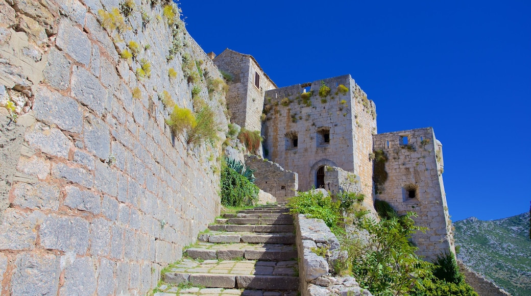 Klis Fortress showing building ruins and heritage elements