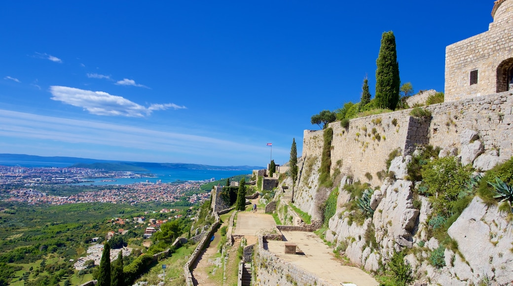 Klis Fortress featuring a ruin, heritage elements and landscape views