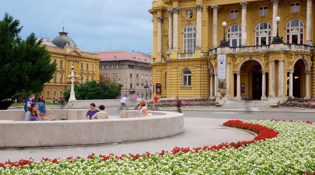 Teatro Nacional Croata que incluye arquitectura patrimonial y también un grupo pequeño de personas