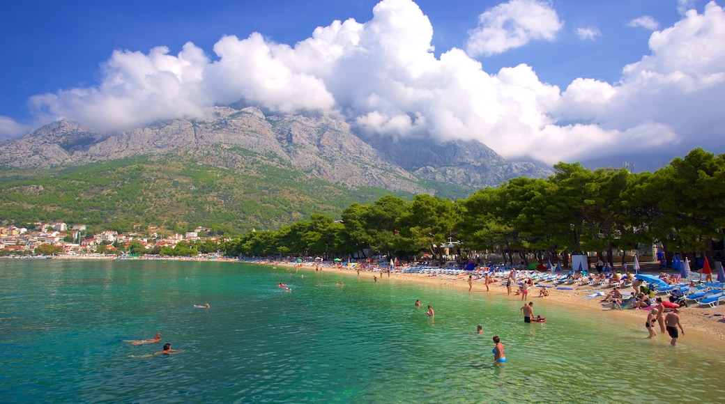 Baska Voda Beach which includes a pebble beach and mountains