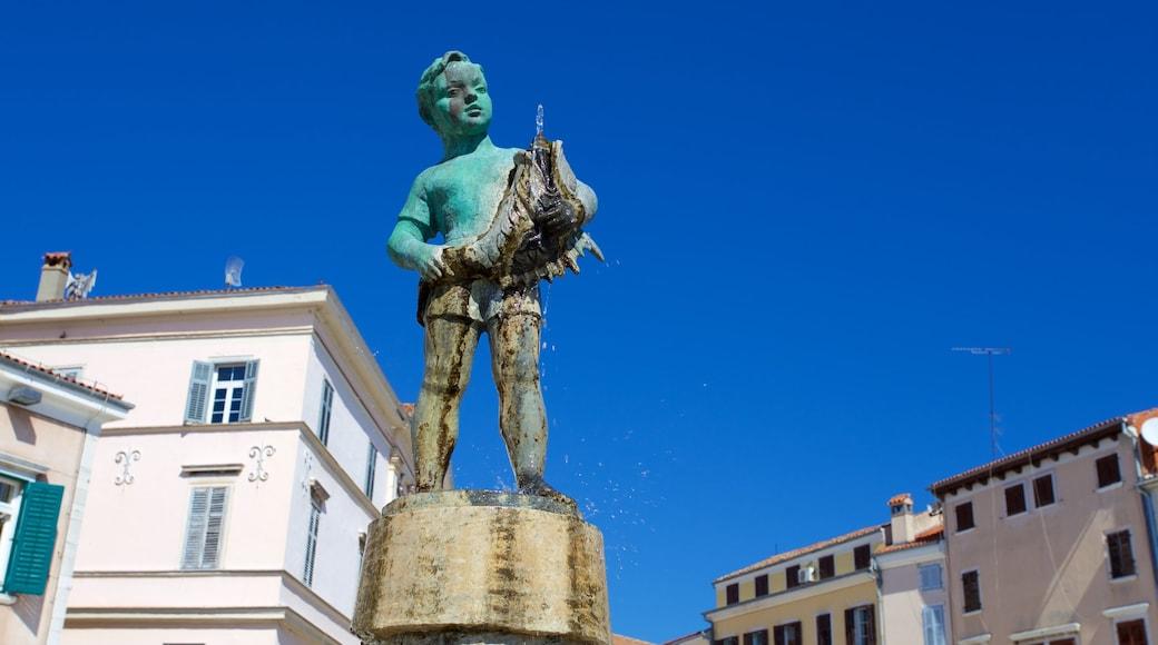 Marsala Tita Square showing a fountain