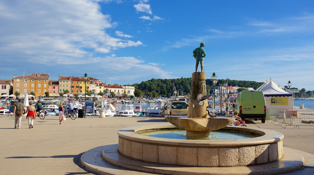 Marsala Tita Square featuring a bay or harbor and a fountain