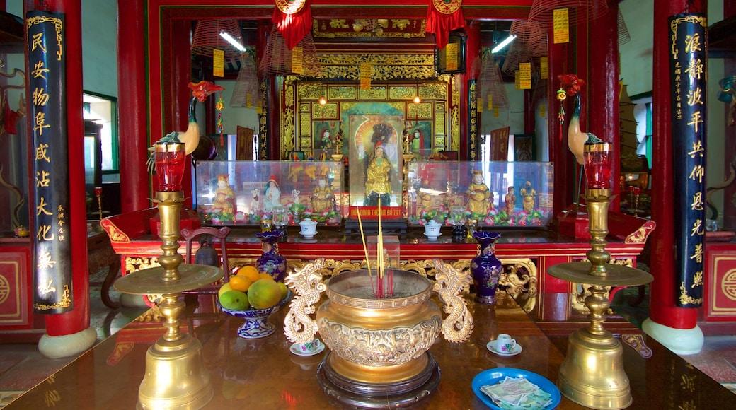 Hội quán Phúc Kiến - Chùa Kim An trong đó bao gồm đền chùa, cảnh nội thất và tôn giáo