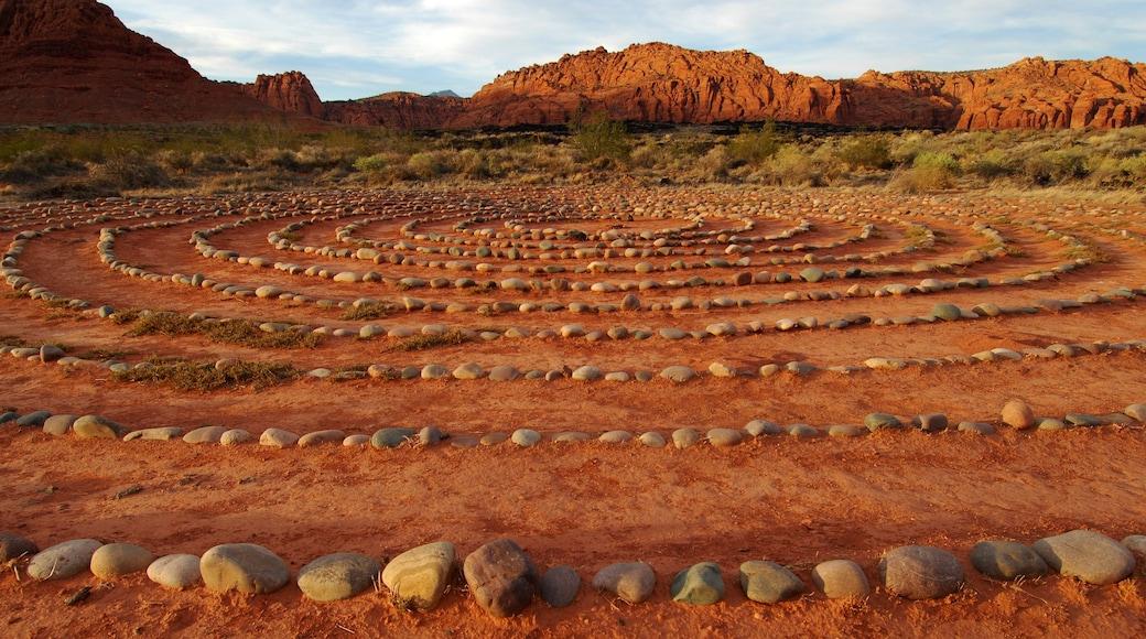 St. George welches beinhaltet Outdoor-Kunst und Wüstenblick