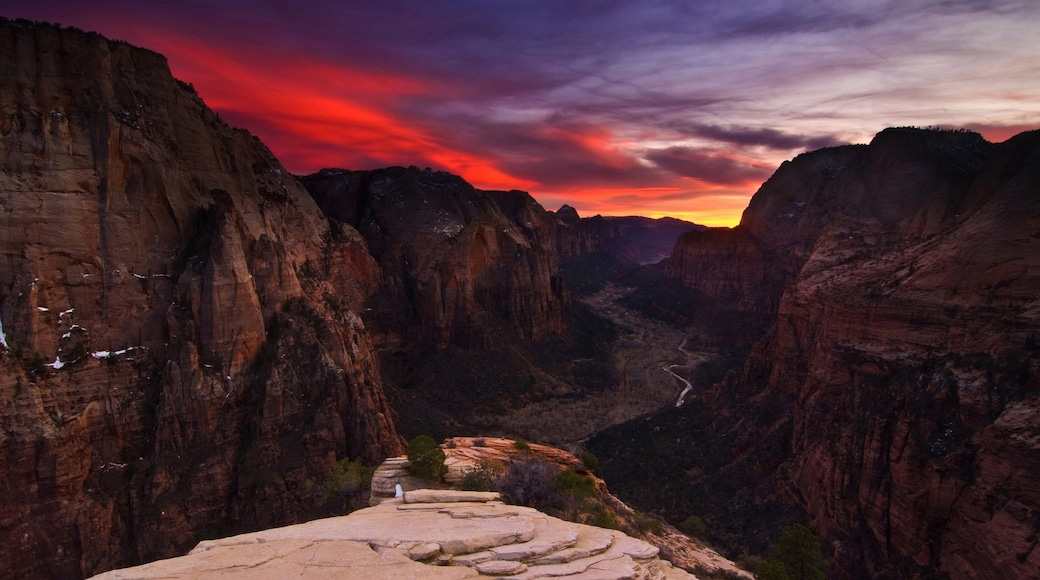 Springdale which includes landscape views, a gorge or canyon and a sunset