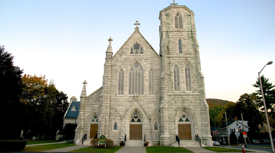 Great Barrington showing a church or cathedral