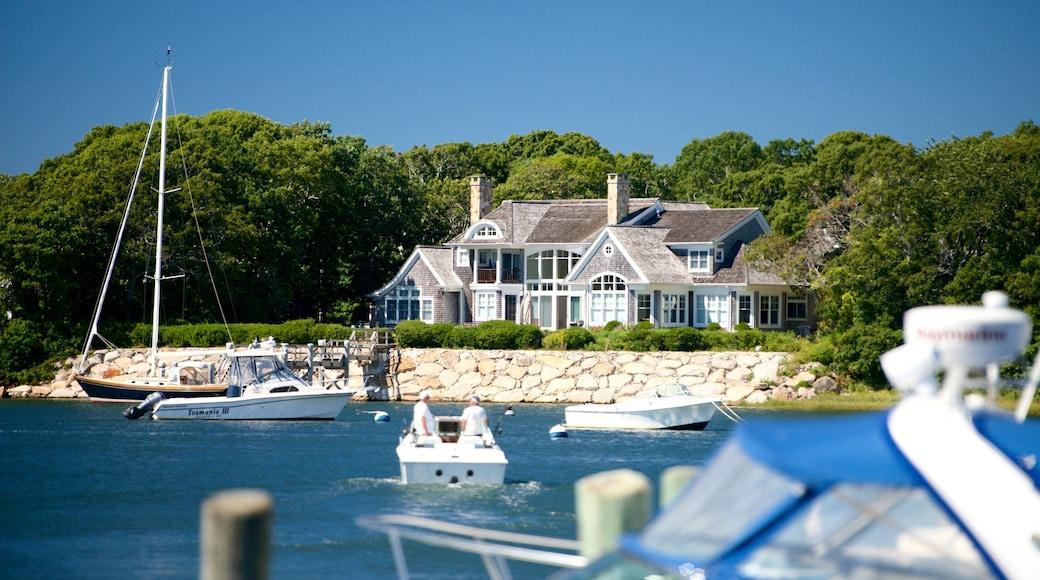 Falmouth ofreciendo botes y una casa