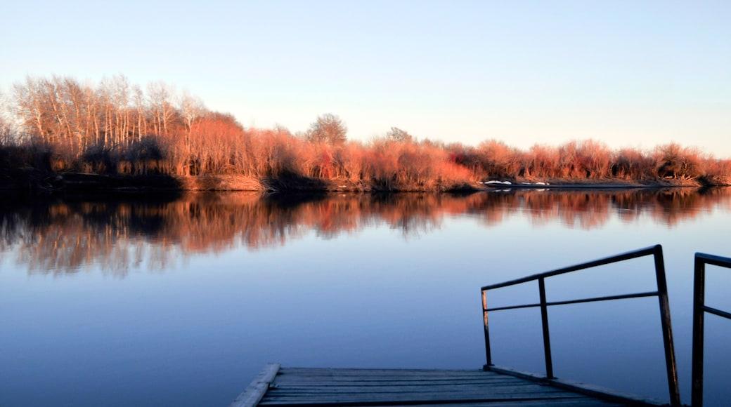 Rexburg featuring järvi tai vesikuoppa
