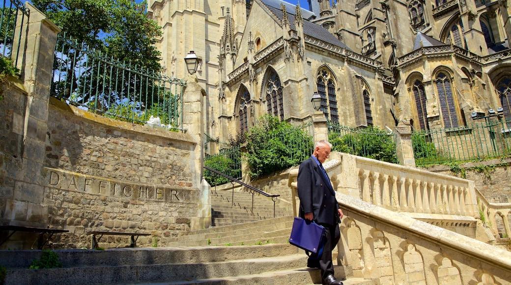 Le Mans - Sarthe qui includes bâtiment public et patrimoine architectural aussi bien que homme