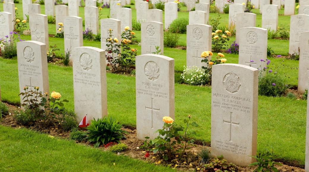 Cimetière de guerre d\'Arras qui includes cimetière