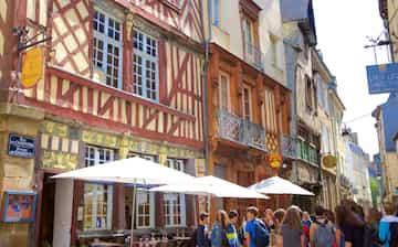 rennes rencontre gay history a Saint-Malo