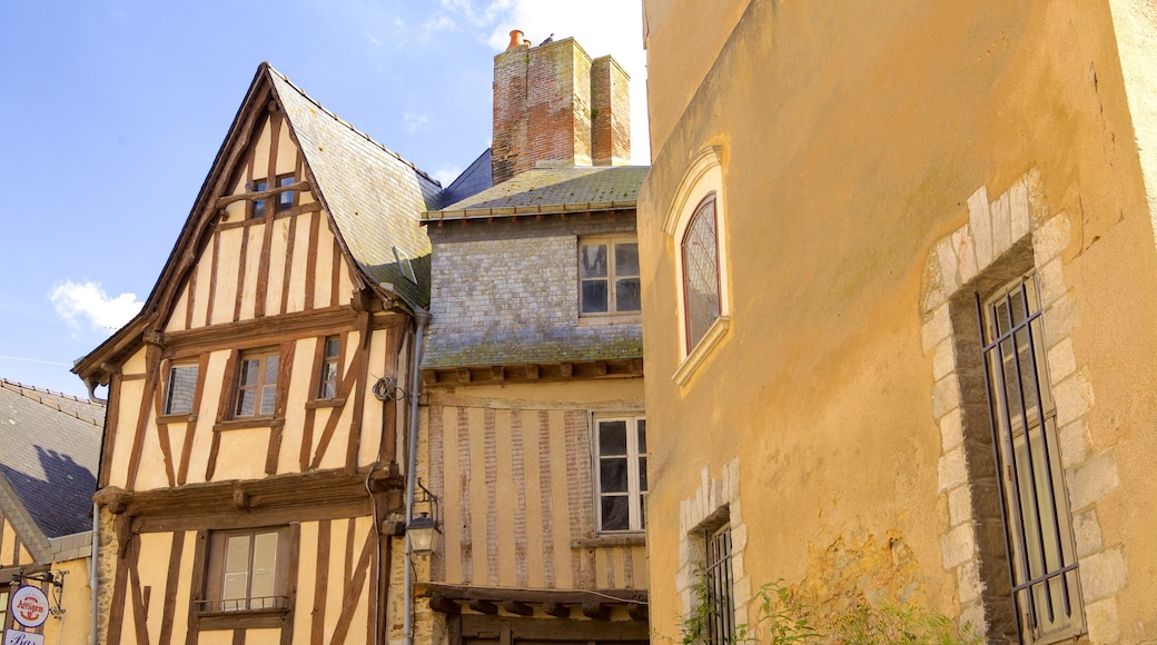 Laval qui includes patrimoine historique