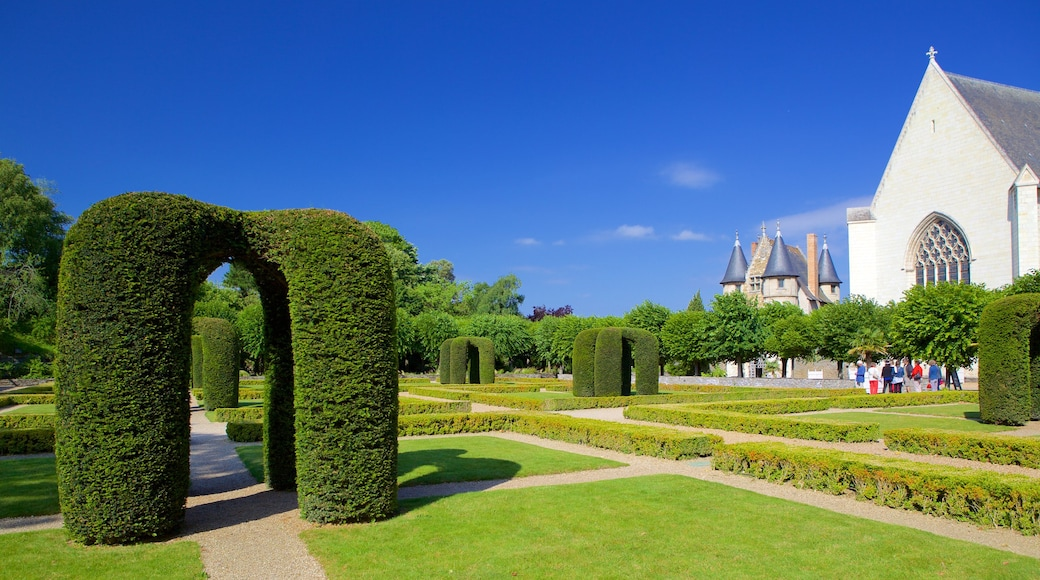 Chateau d\'Angers featuring a garden