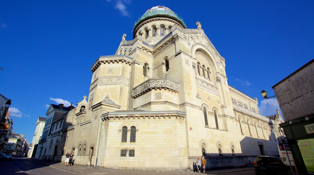 Saint Martin Basilica showing heritage architecture, heritage elements and a church or cathedral