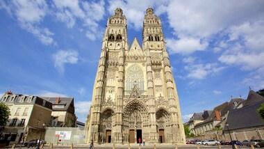 Saint-Gatien Cathedral