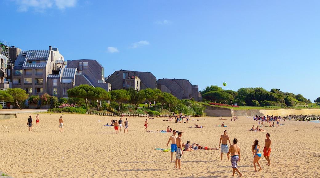 Playa de Minimes que incluye una playa