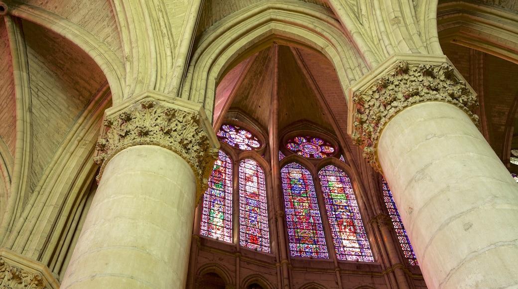 Reims Cathedral 其中包括 歷史建築, 教堂或大教堂 和 內部景觀