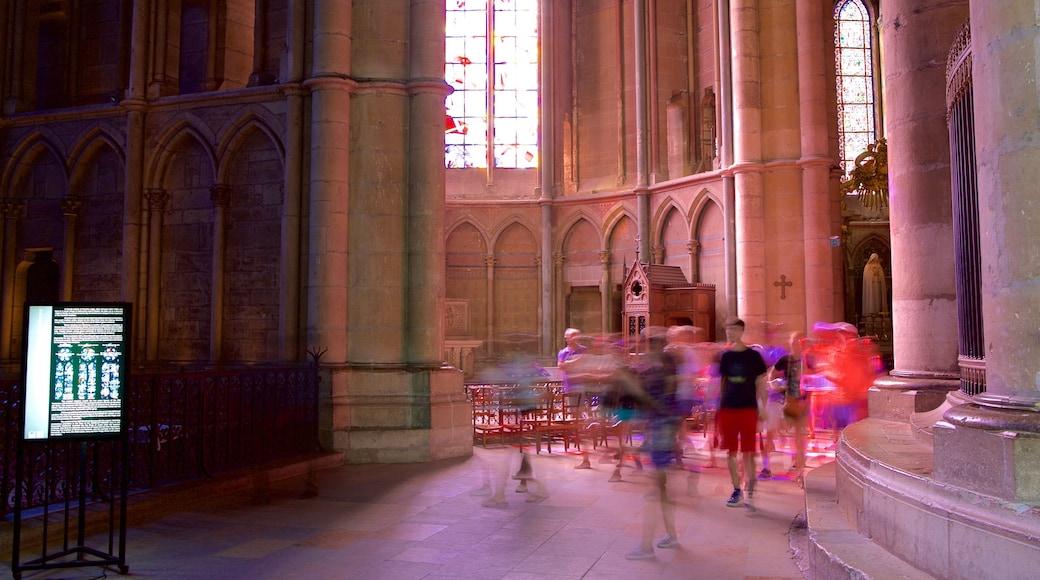 Reims Cathedral 其中包括 傳統元素, 教堂或大教堂 和 內部景觀