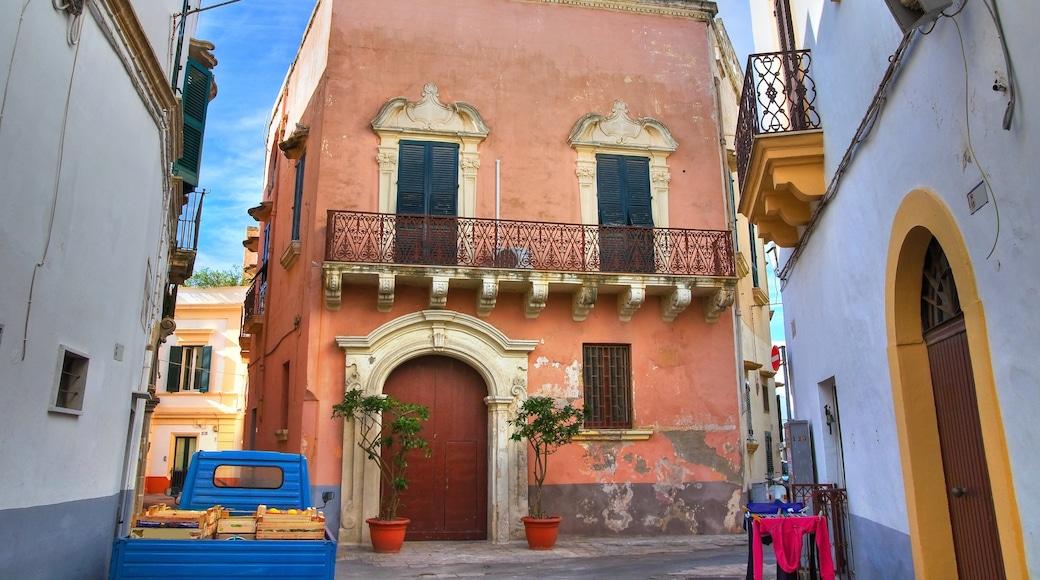 Gallipoli welches beinhaltet Haus und Geschichtliches