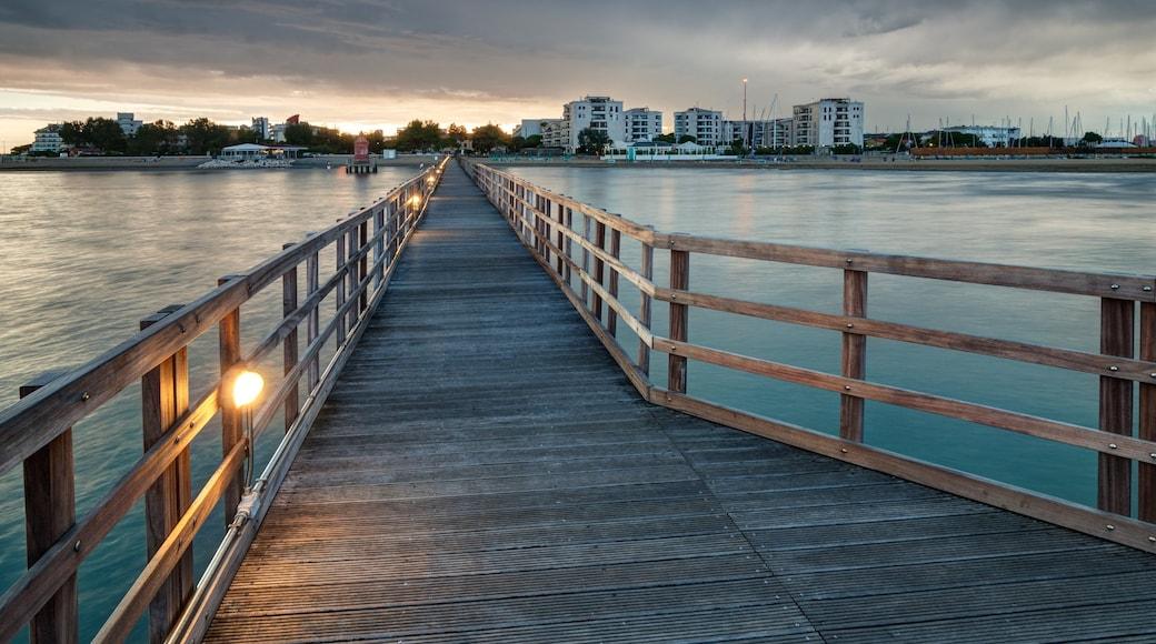 Lignano Sabbiadoro caratteristiche di fiume o ruscello e ponte
