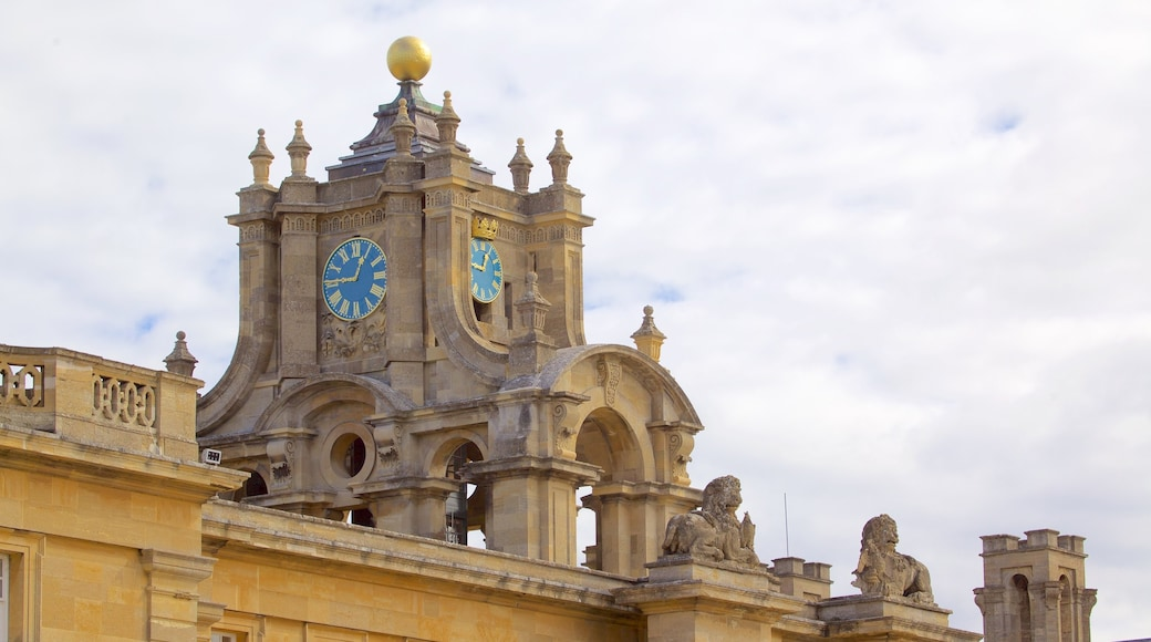 Blenheim Palace featuring heritage elements