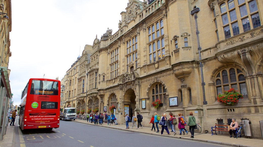 Oxford Town Hall featuring street scenes and heritage elements